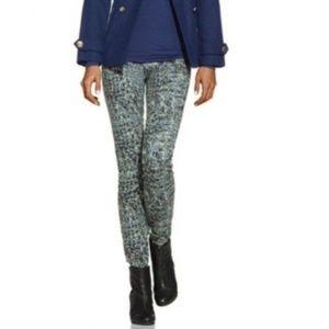 CAbi Style #604 Women's moderncamo jeggings skinny